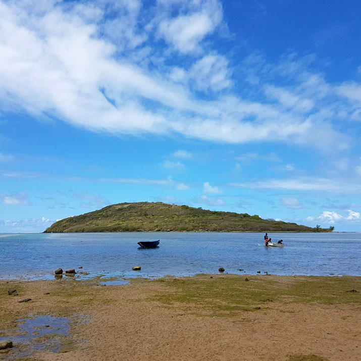 Water-hike-to-Ilot-Forneau-Le-Morne