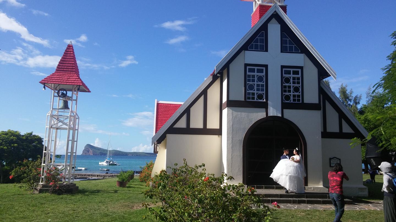 churches - notre dame de lauxilliatrice