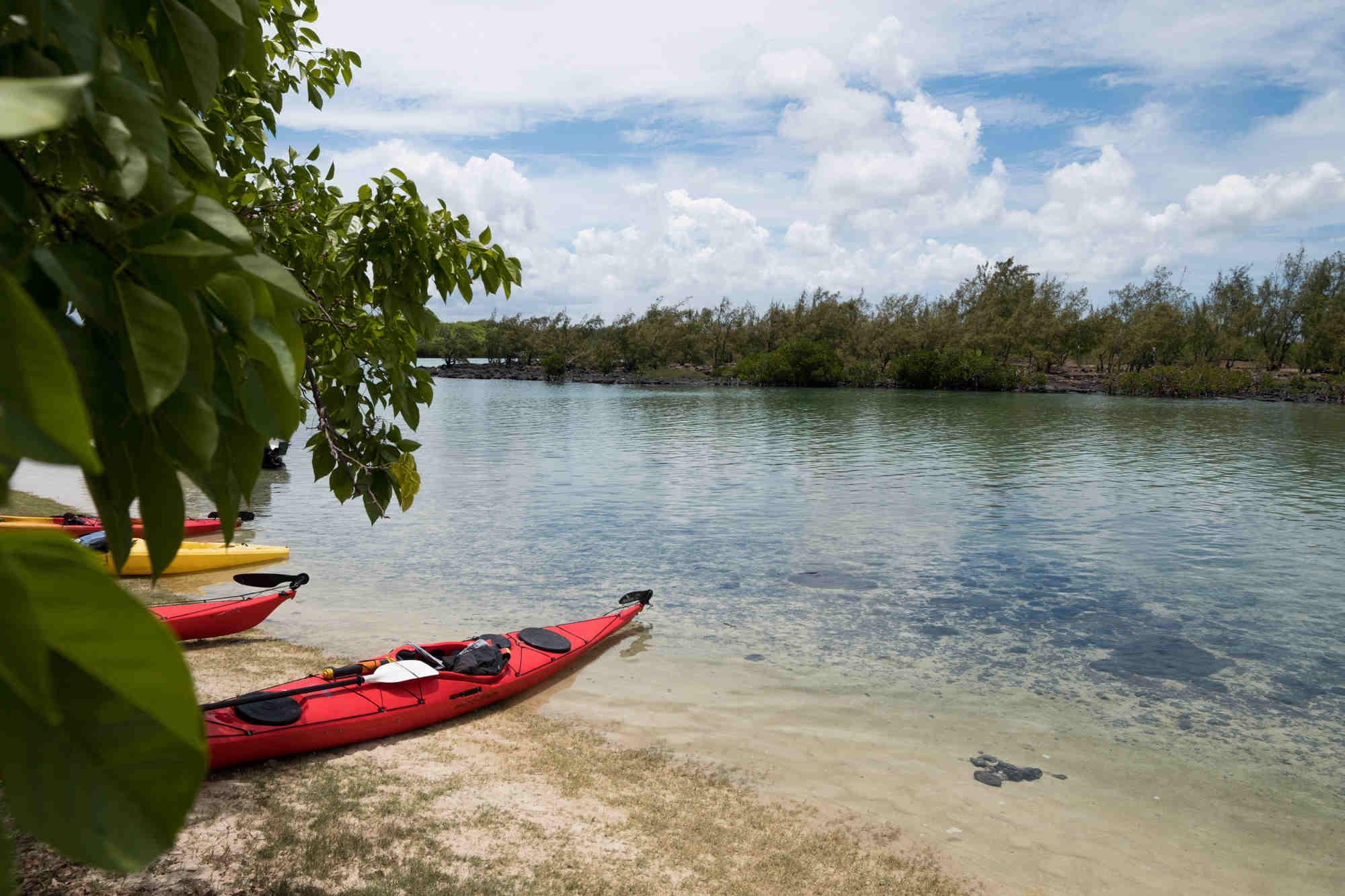 Sea kayaking Maurtiius