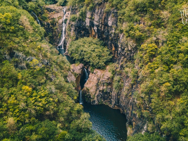Canyoning in the heart of Mauritius: 7 Cascades