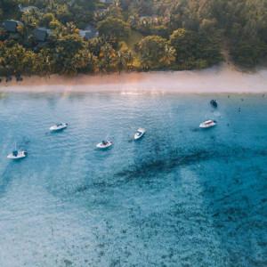 holidays_to_mauritius_turquoise_sea