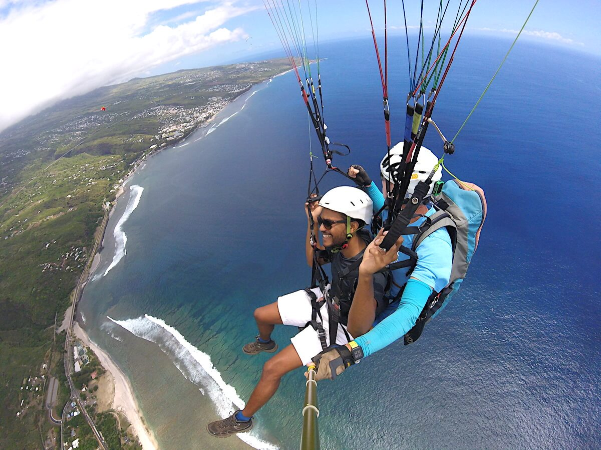 paragliding_in_reunion_island
